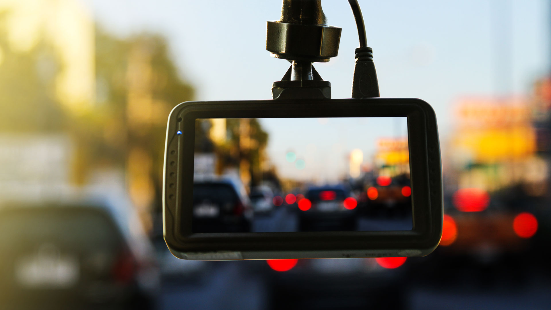 why you need a dash cam autotemp. Black Bedroom Furniture Sets. Home Design Ideas